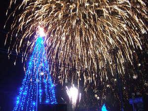 クリスマスイブには 伊豆 熱川温泉で花火大会開催!