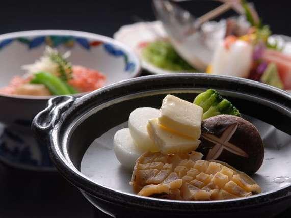 夏季シーズンのアワビ料理は火を使わない料理へ変更します!