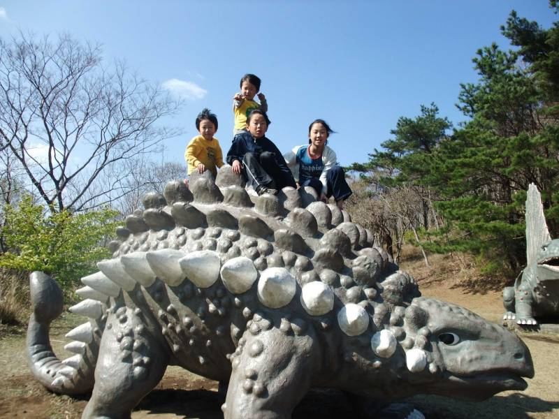 小室山の恐竜公園は小さな子供に大人気!しかも無料!