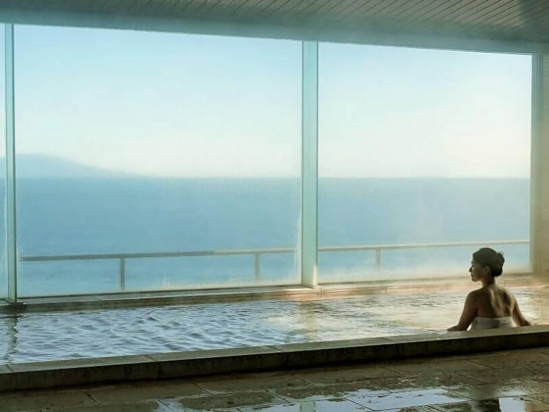 大浴場からも伊豆大島をはじめ絶景が楽しめます!