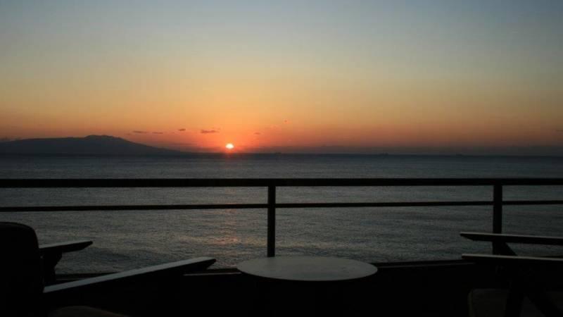 初日の出を見るなら 熱川館の客室から如何?